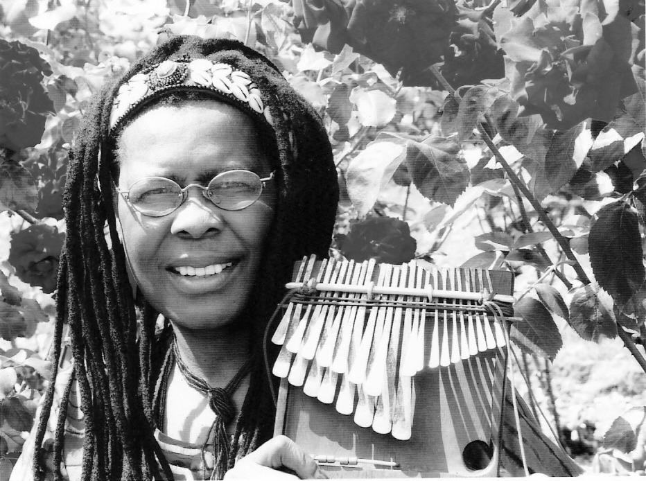 Stella-Chiweshe-and-her-Mbira-b&w